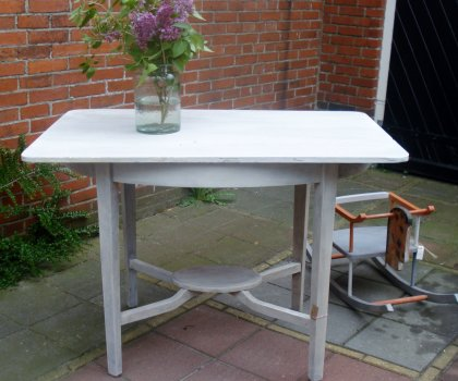 Tafel in white wash
